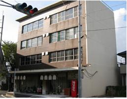 当時建設された鉄筋コンクリート造ビル(現存しています)